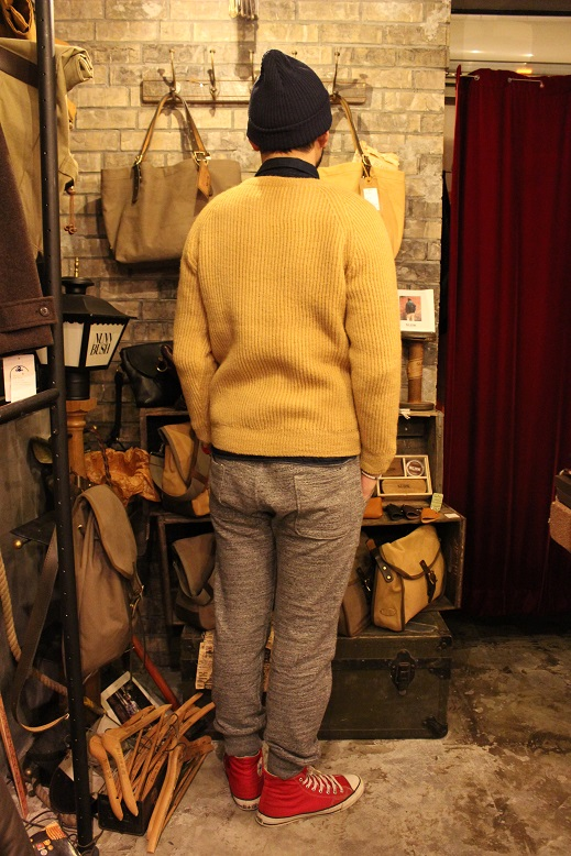 "NORMAN TULLOCH ""SADDLE SHOULDER RIB CREW NECK\"" ご紹介_f0191324_9334360.jpg"