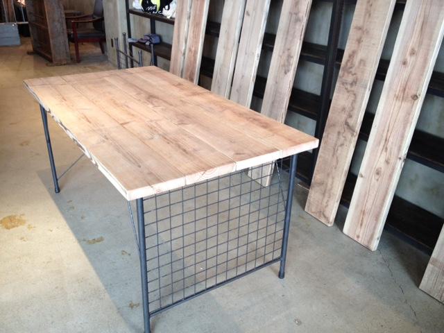 テーブル用アイアン脚 販売開始しました。_d0237564_18581295.jpg