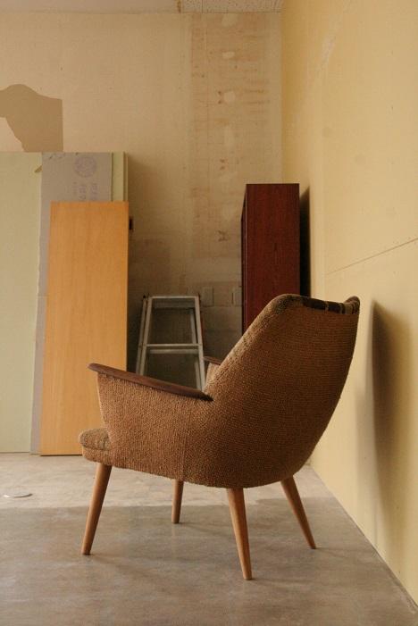 『ひょっこり椅子』_c0211307_18324863.jpg