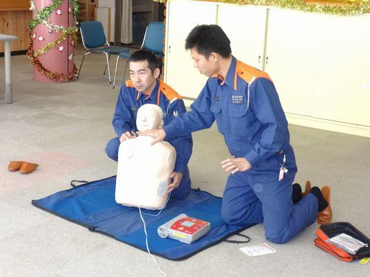 AED訓練_a0154110_11401640.jpg