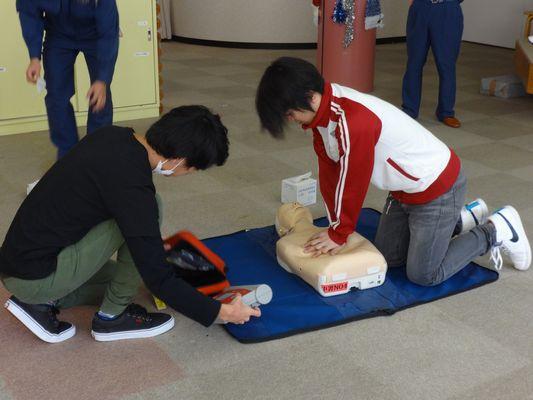 AED訓練_a0154110_11402821.jpg