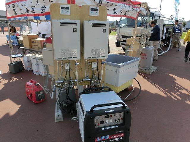 アイデアや商品が自主防災活動に大いに参考になる 「ふじBousai2014」_f0141310_737215.jpg