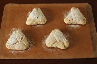 パン教室で「カシューナッツと3種のペッパー」と「フリカッセ」!_a0165538_09592165.jpg