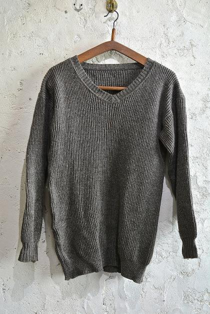 Swedish army 40\'s v-neck knit_f0226051_1333978.jpg