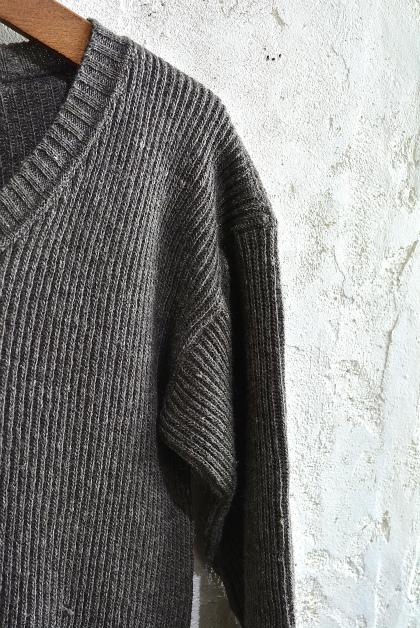 Swedish army 40\'s v-neck knit_f0226051_1364350.jpg