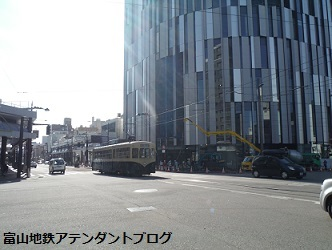 富山地方鉄道の路面電車の運転士_a0243562_11405594.jpg