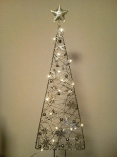 シルバーアイアンのクリスマスツリー_f0255704_19393314.jpg