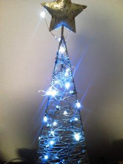 シルバーアイアンのクリスマスツリー_f0255704_19393381.jpg