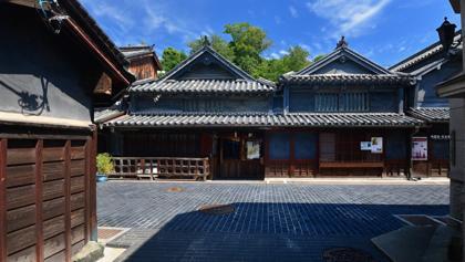 町内の病院施設での取材.....三徳山の観光客も....._b0194185_22522760.jpg