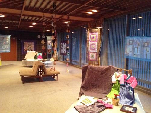 第6回 「ポジャギ工房koeグループ展 韓の国の手仕事 ポジャギ-絹と麻 素材の美(神戸) 」 いよいよ…_c0185092_151332.jpg