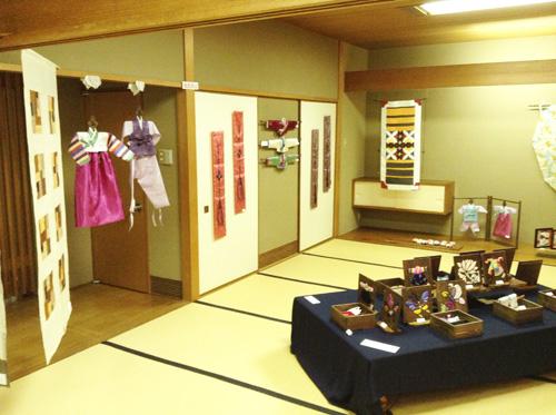 第6回 「ポジャギ工房koeグループ展 韓の国の手仕事 ポジャギ-絹と麻 素材の美(神戸) 」 いよいよ…_c0185092_1532278.jpg