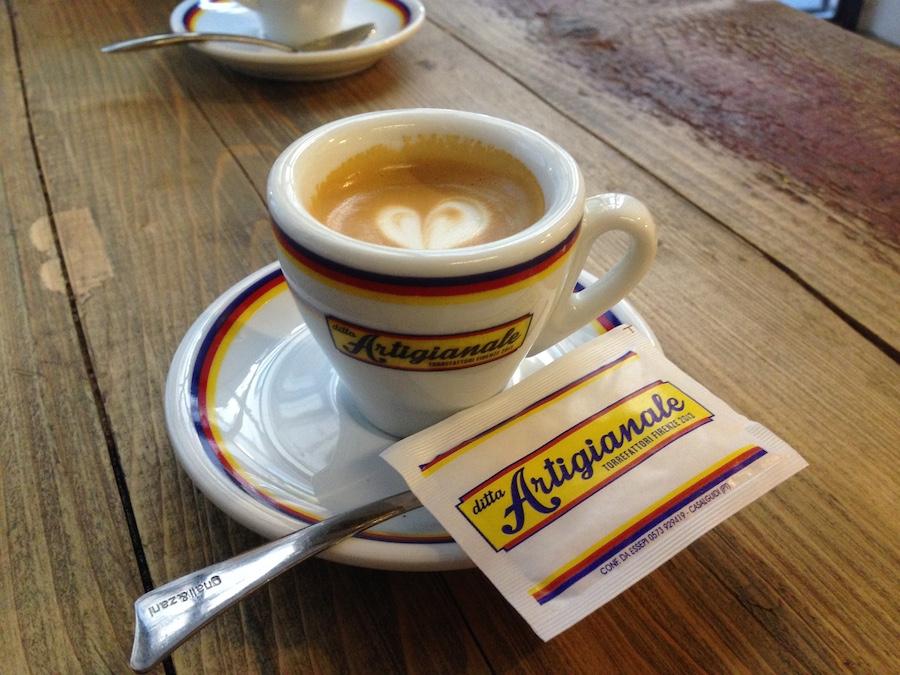昨日もアルティジャナーレで美味しいコーヒー_f0106597_17403954.jpg