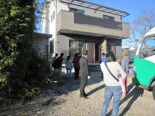 第二弾「エアー断震の家」完成見学会_f0129627_18332254.jpg