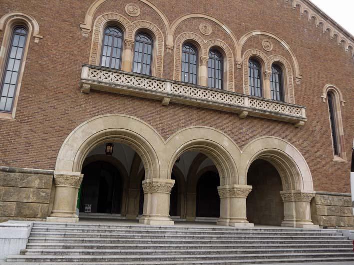 来年6月のピアノトリオ・コンサートに向け兼松講堂を下見_c0014967_11323243.jpg