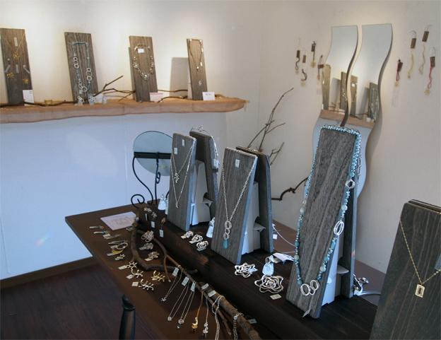 鋳物女子展1_f0143397_14250081.jpg