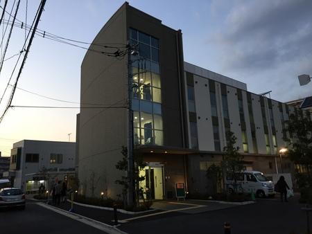 図書館の新しいありかた 三鷹市立南部図書館を訪れて_b0074416_2256662.jpg