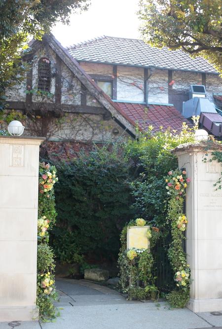 秋の装花 親族だけのご結婚式 シェ松尾松濤レストラン様へ_a0042928_20181997.jpg