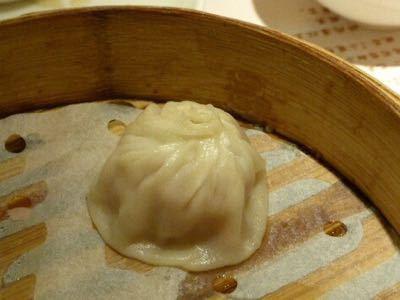 14年10月香港  18★軽い夕食を「翡翠拉麺小籠包」で_d0285416_18102777.jpg