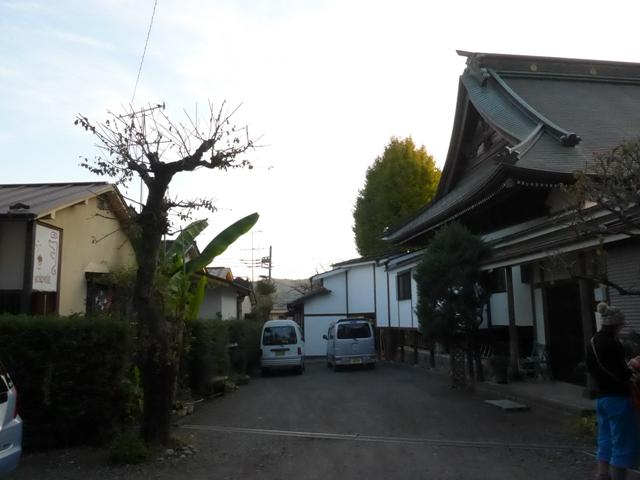 青梅「カフェ ニューギニ」へ行く。_f0232060_12182637.jpg