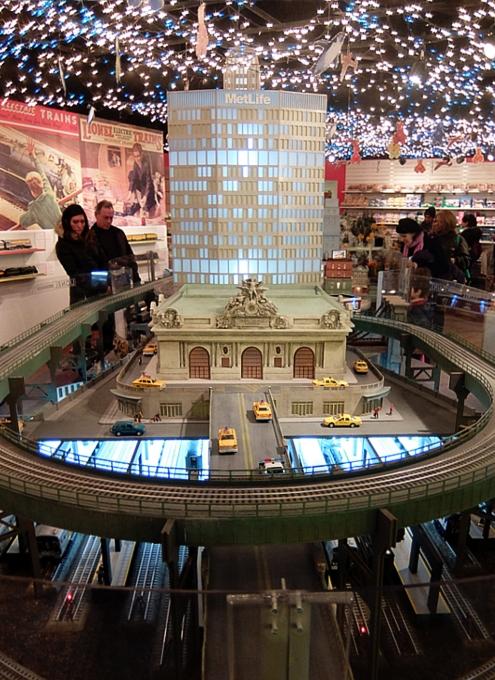 グランド・セントラル駅構内にある地下鉄博物館のホリデー・トレイン・ショー_b0007805_2318987.jpg