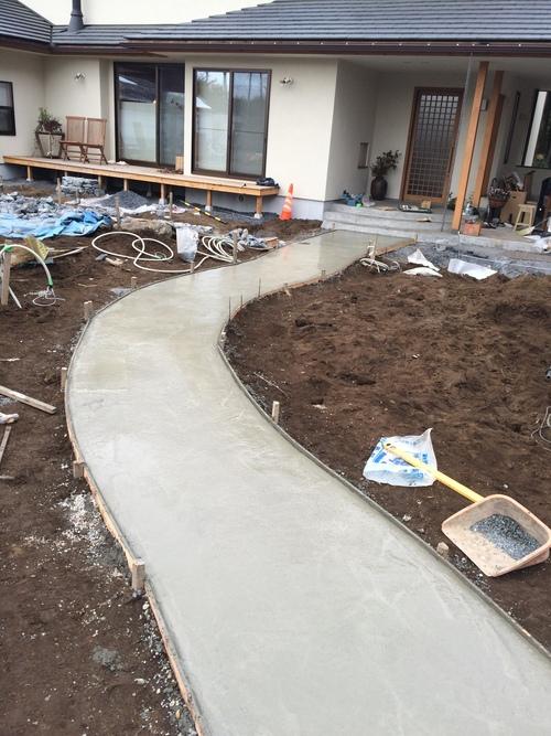 自然でゆるやかなコンクリート洗い出しの造り方_a0148909_9334768.jpg