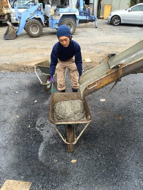 自然でゆるやかなコンクリート洗い出しの造り方_a0148909_9362365.jpg