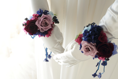 リストブーケ 青山ダイヤモンドホール様へ 青のドレスに_a0042928_2012986.jpg