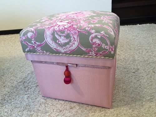 娘さんのための可愛い茶箱_b0242032_1245065.jpg