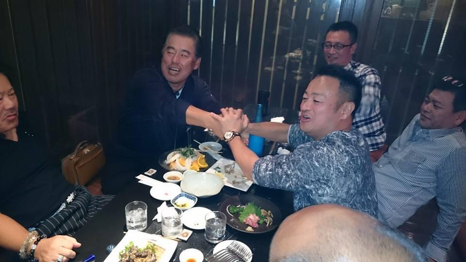 顔は怖いけど、優しくてシャイな男達に、57歳の誕生日を祝って頂きました。_c0186691_1183429.jpg