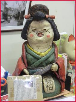 京都の紅葉スポットをさけて、大津、石山寺まで・・・・・・_b0104092_12163349.jpg