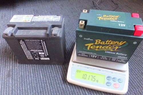 バッテリーテンダー絶賛販売中 ダイナのエンジンマウント交換_a0257316_10510852.jpg