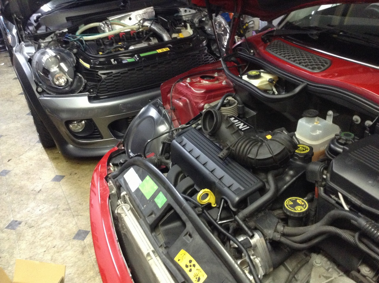 R56 BMW ミニクーパーS タペットカバー ガスケット交換_d0171835_14582462.jpg