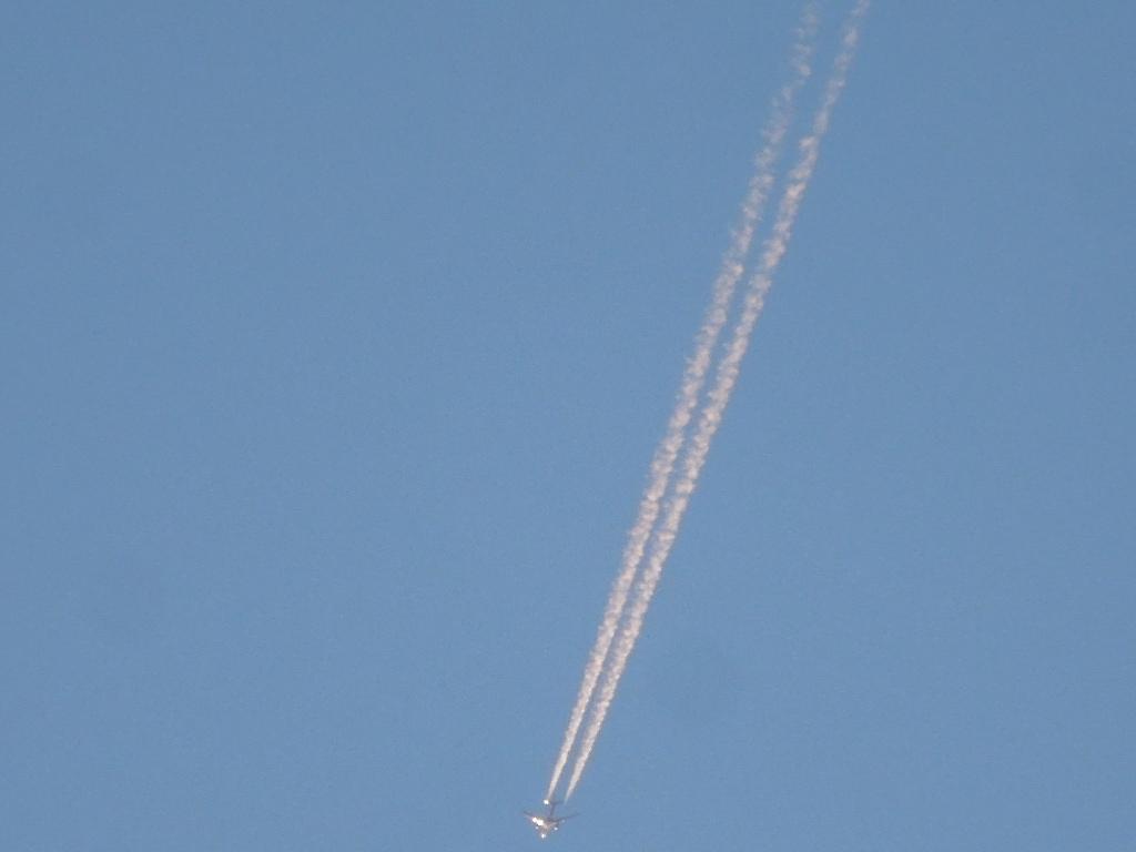 「ひこうき雲」_a0120513_17273522.jpg