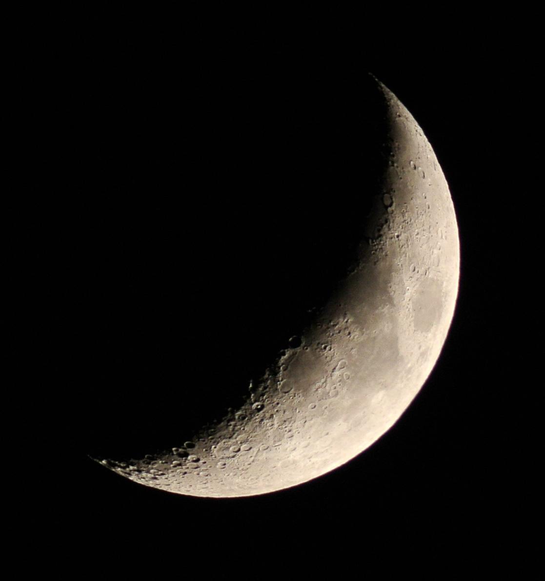 2014年11月27日の月(月齢4.8)_e0089232_17433714.jpg