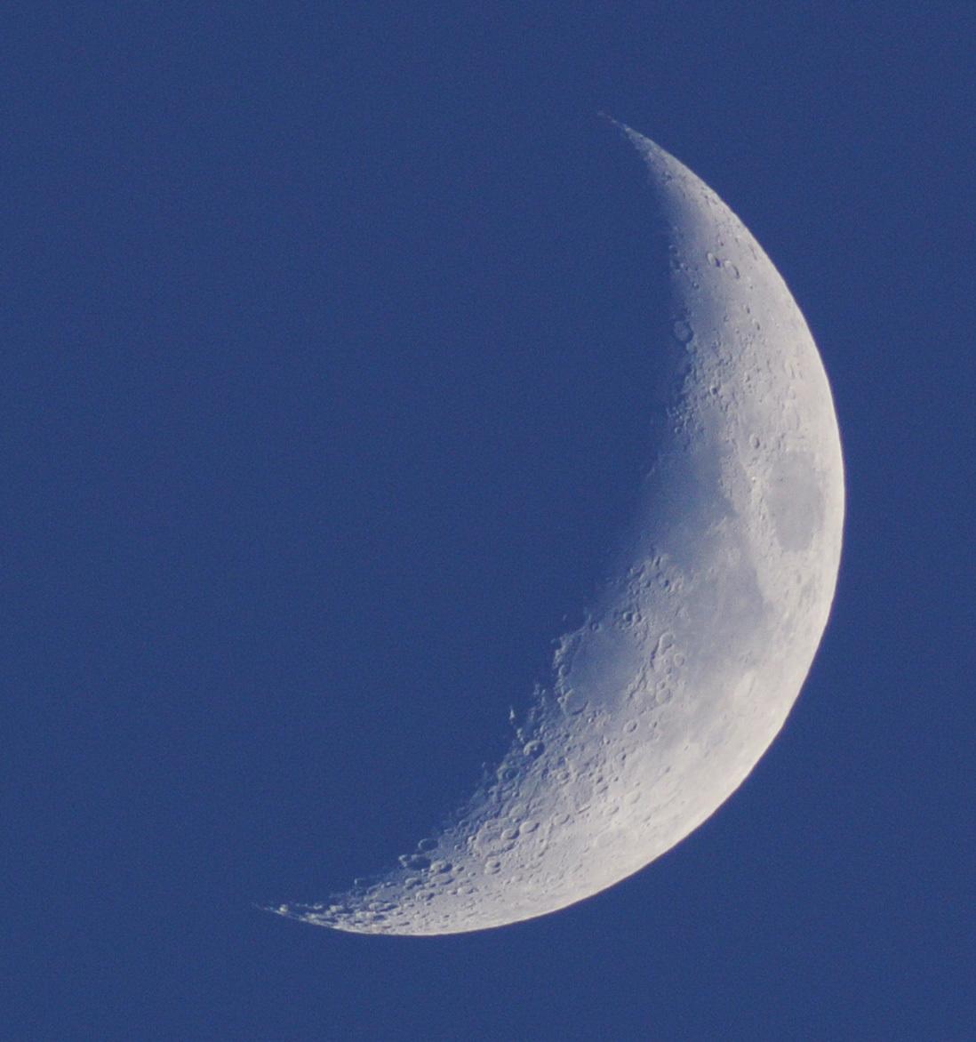 2014年11月27日の月(月齢4.8)_e0089232_17433769.jpg