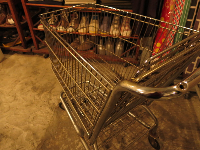 """KINOKUNIYA OLD SHOPPING CART\""ってこんなこと。_c0140560_1332537.jpg"