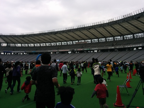 京王駅伝フェスティバル2014@味の素スタジアムとプロペラカフェで飛行機堪能_e0123104_745016.jpg