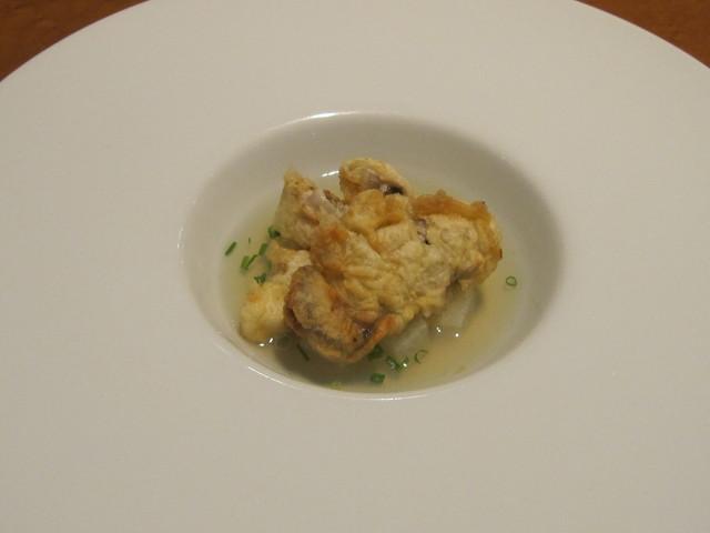 12月の料理「牡蠣の天ぷらのコンソメスープ」_d0177560_22582033.jpg