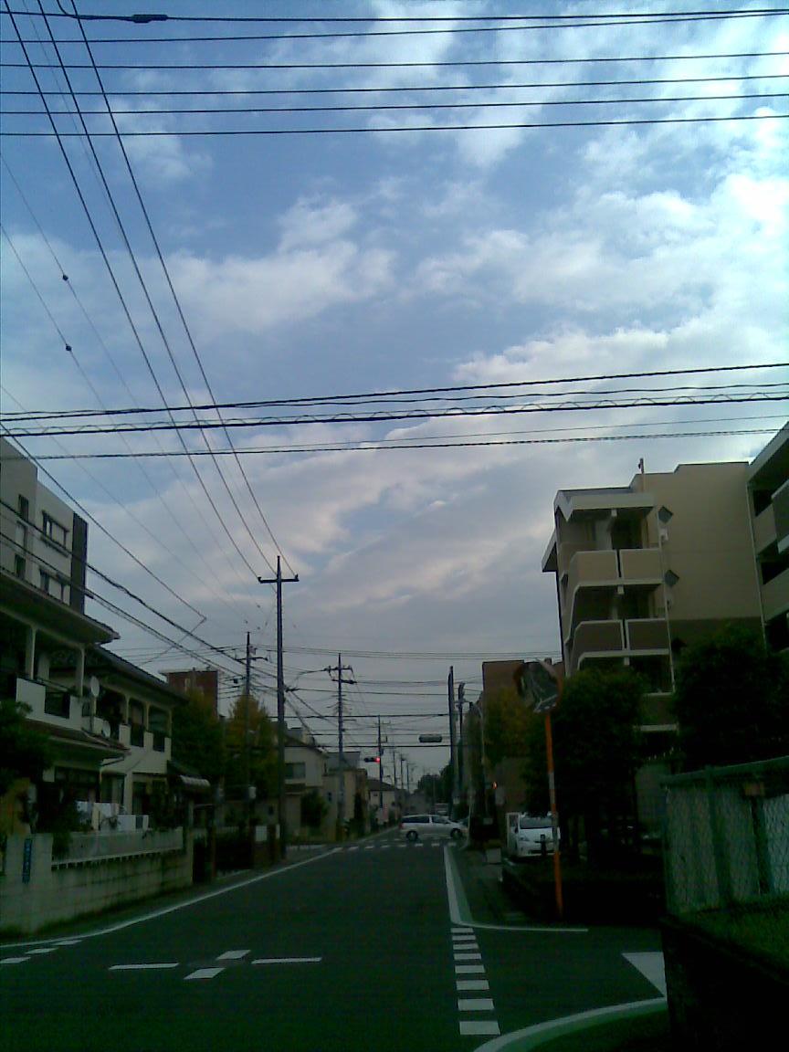 本日も小春日和、海江田が北朝霞駅前に_d0061678_22183320.jpg