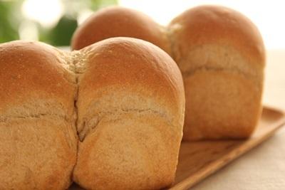 珈琲ミニ食パン!と、事件です!_a0165538_14361150.jpg