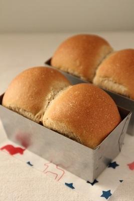 珈琲ミニ食パン!と、事件です!_a0165538_14362294.jpg