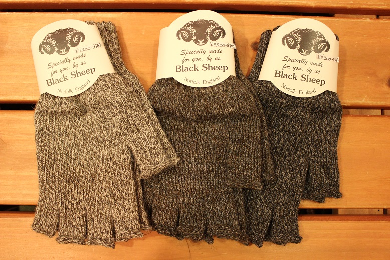 "BLACK SHEEP ""HAND KNIT ARAN GLOVE\"" ご紹介_f0191324_927233.jpg"