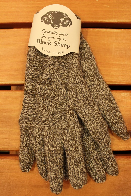 "BLACK SHEEP ""HAND KNIT ARAN GLOVE\"" ご紹介_f0191324_9303962.jpg"