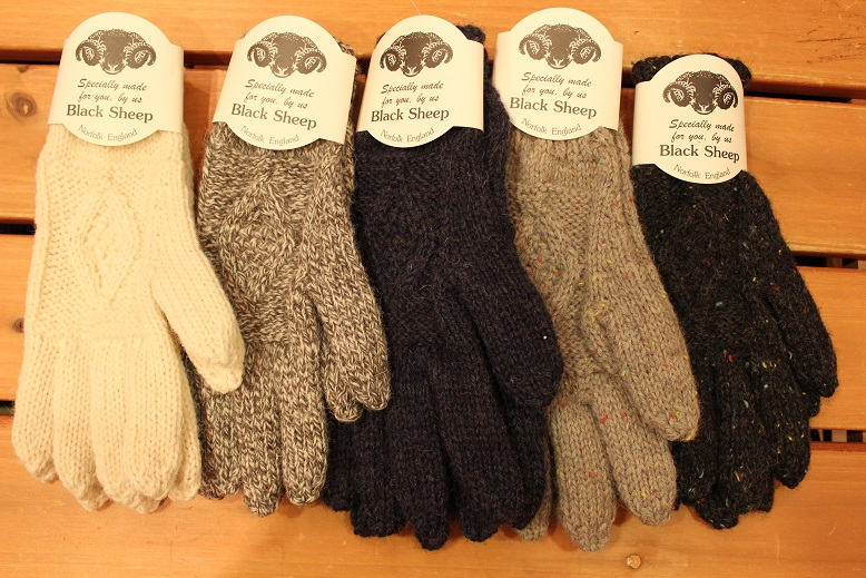 "BLACK SHEEP ""HAND KNIT ARAN GLOVE\"" ご紹介_f0191324_9313939.jpg"