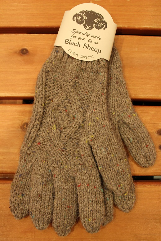 "BLACK SHEEP ""HAND KNIT ARAN GLOVE\"" ご紹介_f0191324_9317100.jpg"