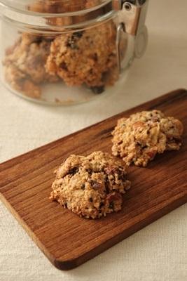 オートミールのクッキーに使うフルーツは。_a0165538_11213291.jpg