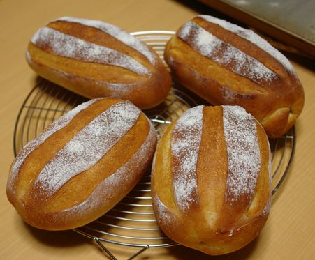 可愛いパンに可愛いサンタ_f0191248_853352.jpg