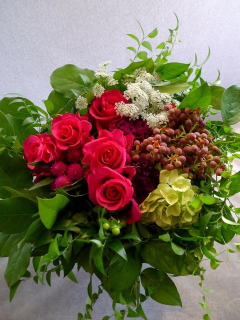 還暦のお祝いに。女性用。「赤系にはこだわらないけれど、小花を入れて」。_b0171193_22110293.jpg
