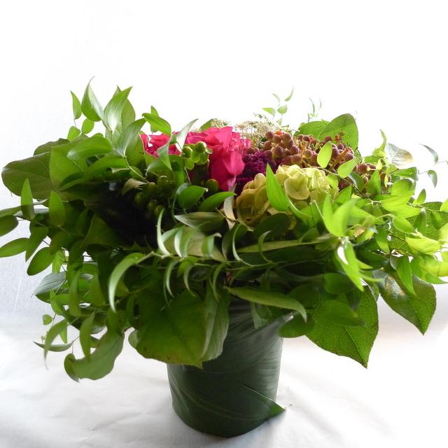 還暦のお祝いに。女性用。「赤系にはこだわらないけれど、小花を入れて」。_b0171193_22111294.jpg