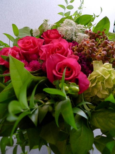 還暦のお祝いに。女性用。「赤系にはこだわらないけれど、小花を入れて」。_b0171193_22111747.jpg